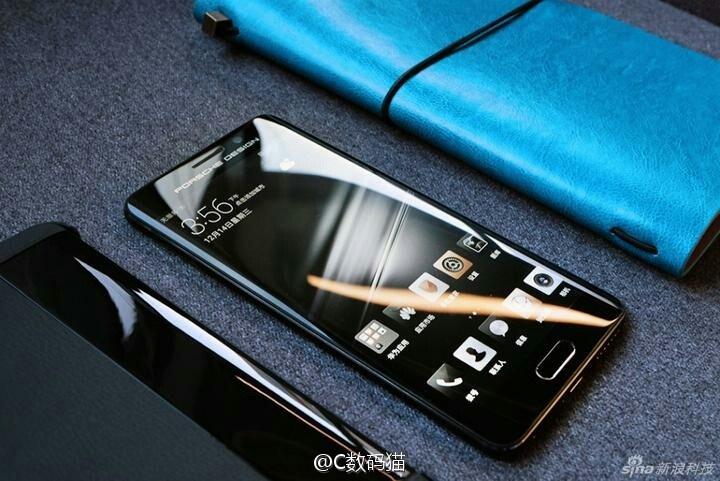 Смартфон Porsche Design Huawei Mate 9 позирует перед камерой