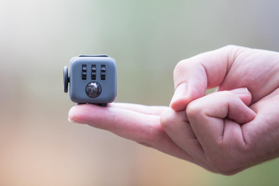 Fidget Cube: волшебный кубик, который позволяет одновременно успокоиться и сосредоточиться - 1