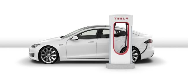 Tesla начала бороться с владельцами электромобилей, которые занимают места на зарядных станциях Supercharger