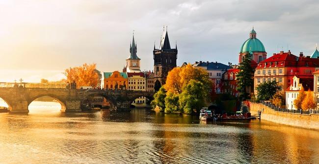 В базе данных FCC замечены смартфоны Honor Prague
