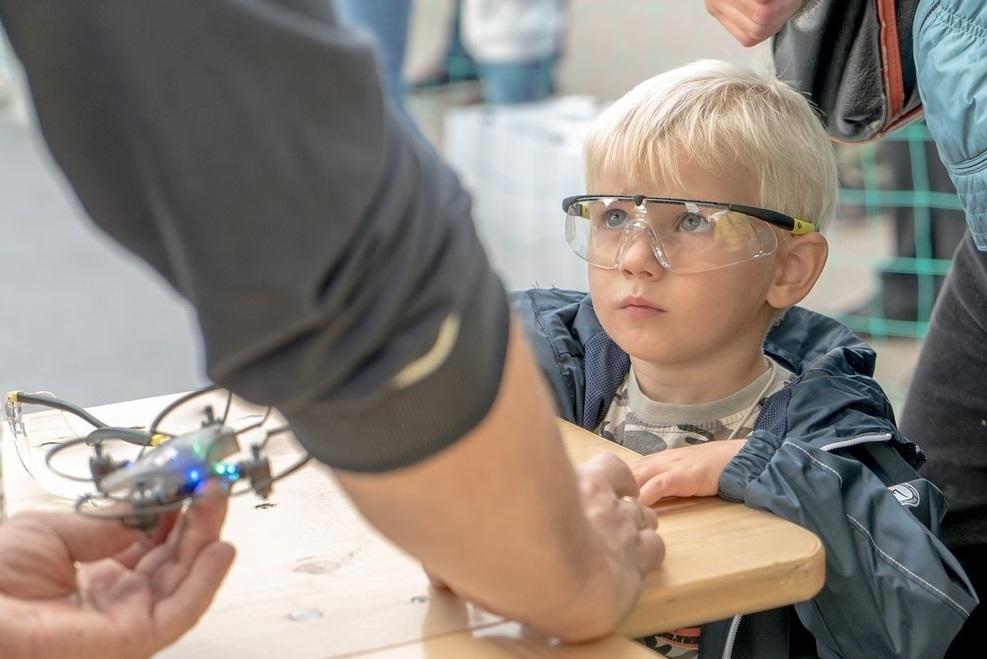Byrobot Petrone: лучшие (imho) дроны для обучения детишек. И для драк - 1