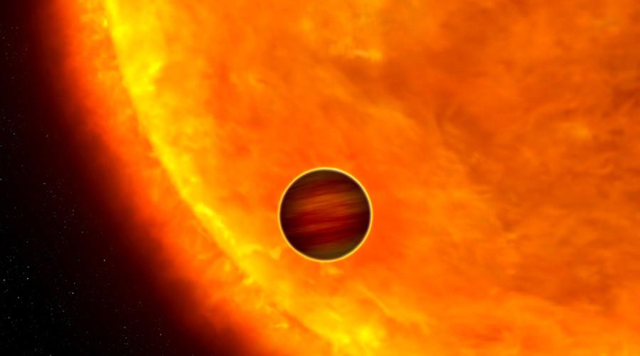 Астрономы обнаружили звезду, поглотившую часть своих планет - 1