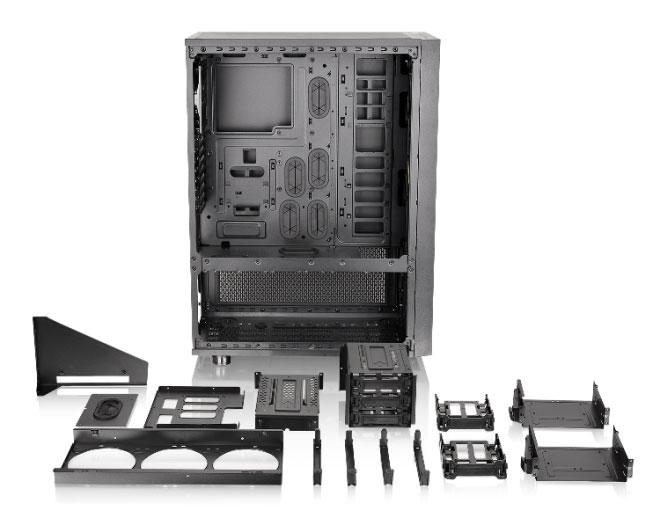 Корпус Core X71 выполнен по двухкамерной схеме