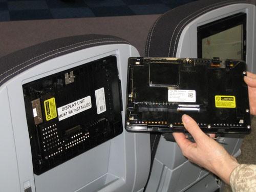 Взлом на борту самолёта - 5