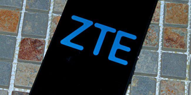 ZTE покажет на CES 2017 смартфон со сдвоенной камерой и Project CSX