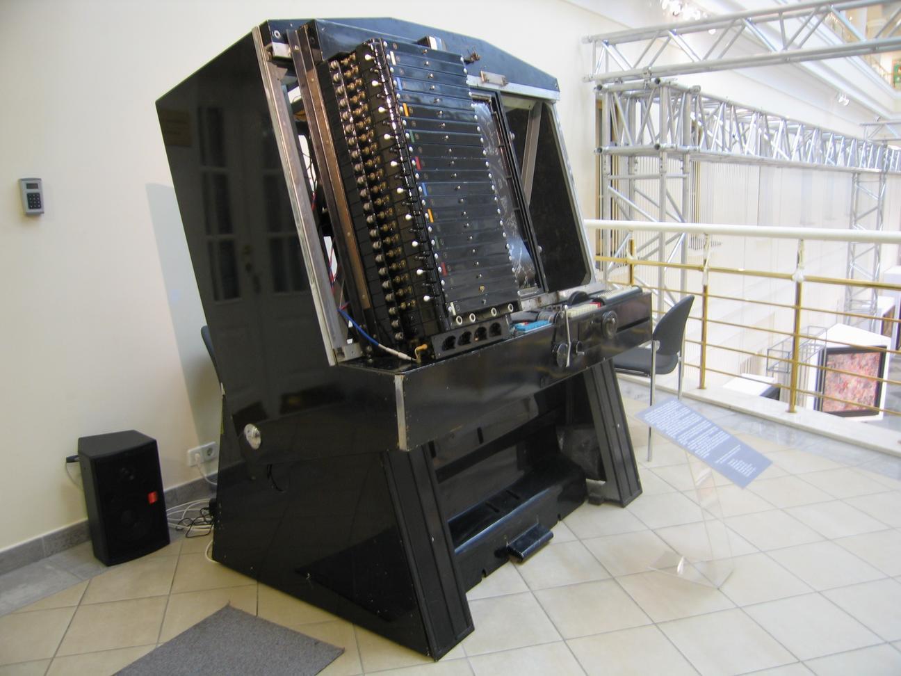 Музыкальный Леонардо советского военпрома: от артиллерийских систем до первого в мире студийного синтезатора - 9