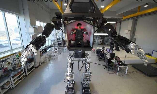 В Корее делает первые шаги робот-мех, который будет продаваться по цене более $8 млн