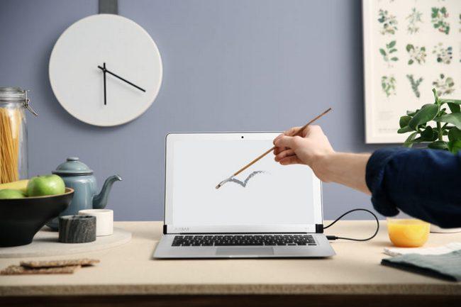 Аксессуар AirBar для MacBook Air, которые наделяет дисплей сенсорной функциональностью, оценен в $99