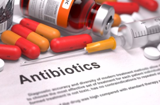 Антибиотики являются смертельно опасными