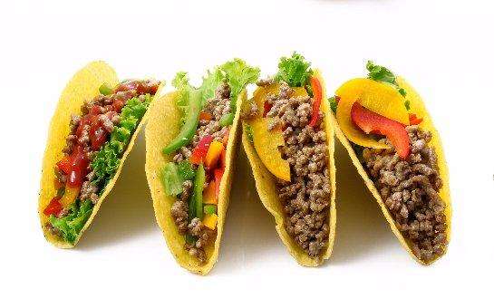 Человек, который есть фаст-фуд, постепенно отвыкает от употребления нормальной пищи