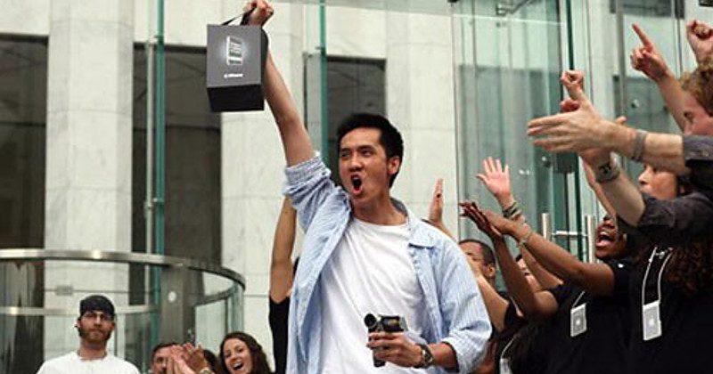 10 лет назад мир увидел iPhone - 4