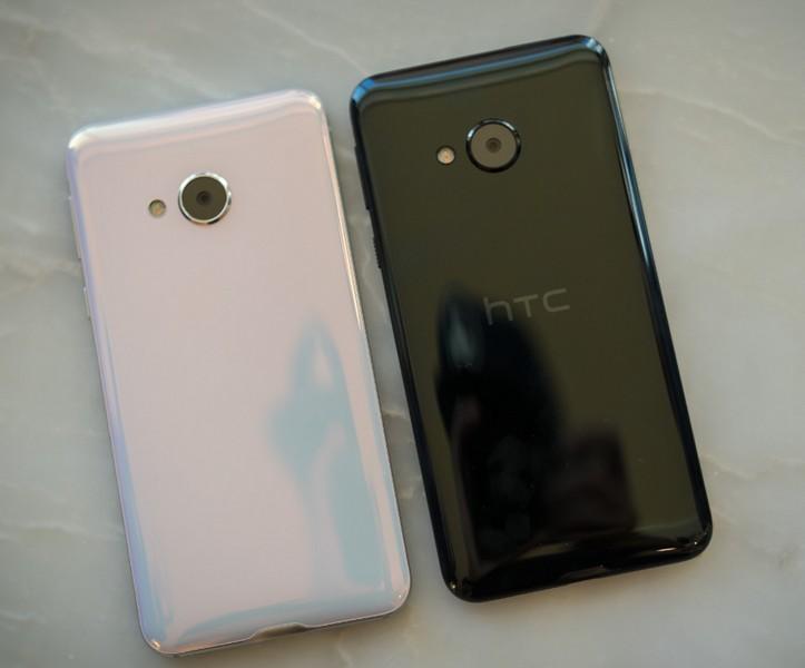 Смартфон HTC U Play не получил второй дисплей