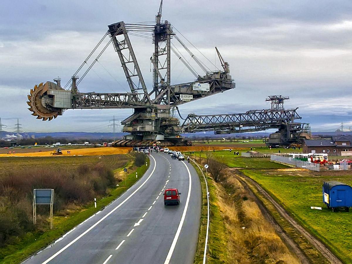 Мегаконструкции. Крупнейший в мире экскаватор Bagger 293 - 1