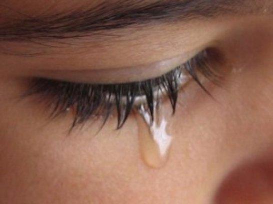 Ученые считают, что для анализа можно брать слезы, а не кровь