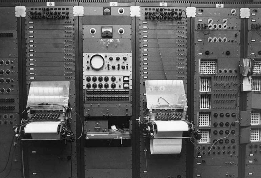 Тернистый путь эволюции синтезаторов: монстры 50-х, «Вояджер» Моога, цифровая революция от Чоунинга и Курцвейла - 4