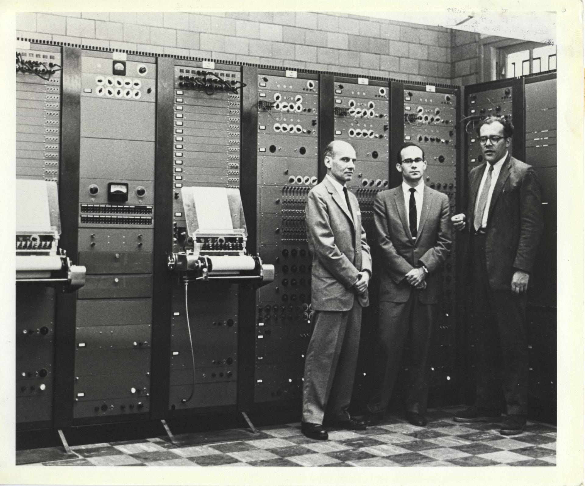 Тернистый путь эволюции синтезаторов: монстры 50-х, «Вояджер» Моога, цифровая революция от Чоунинга и Курцвейла - 8