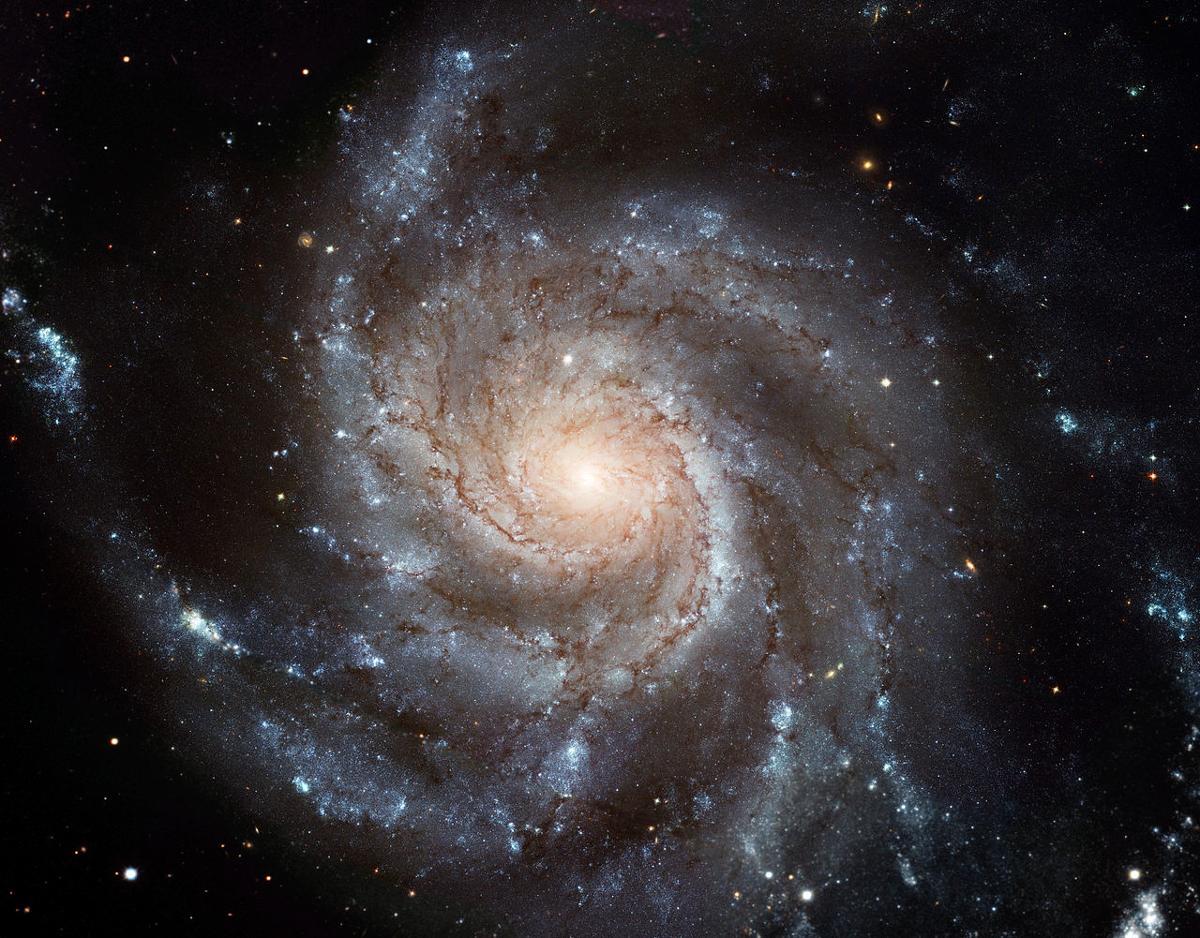 Спросите Итана: почему спиральные галактики так слабо закручены? - 7