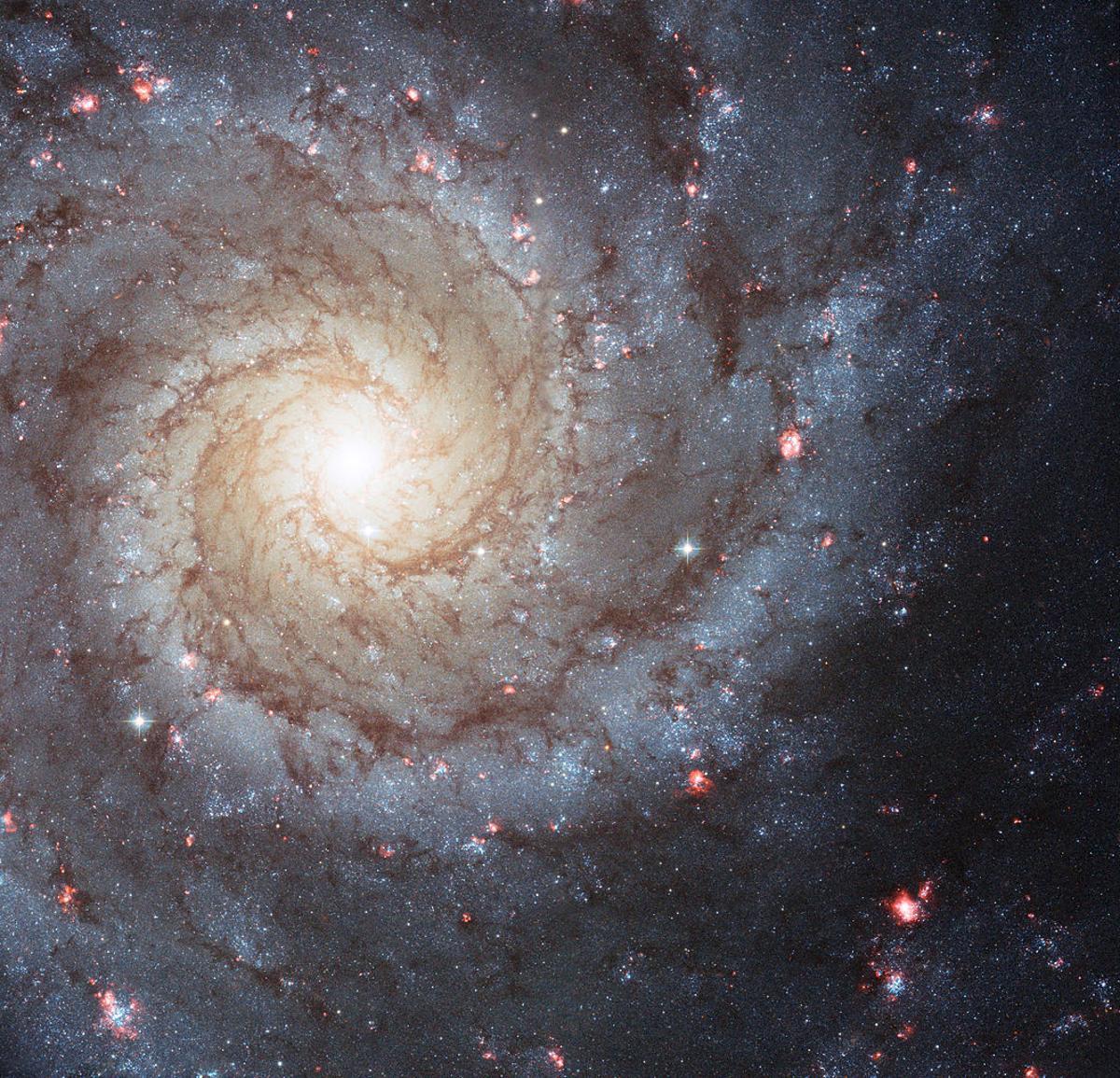 Спросите Итана: почему спиральные галактики так слабо закручены? - 8