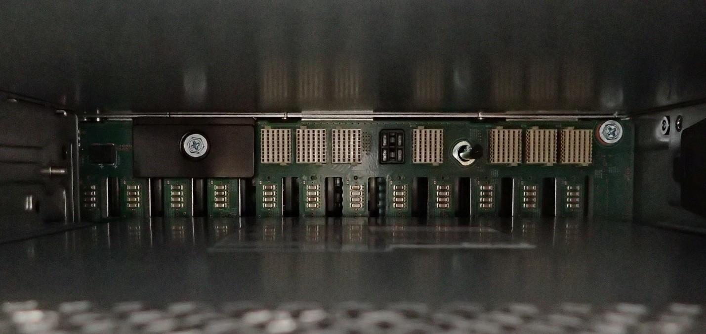 Unboxing: Что внутри у системы хранения данных NetApp AFF A300 - 14