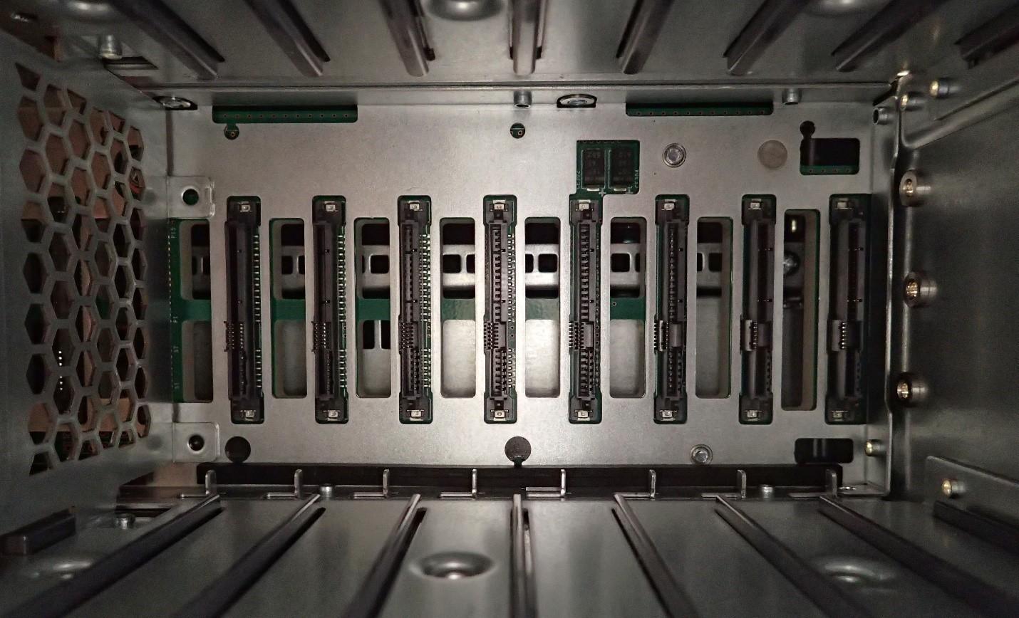 Unboxing: Что внутри у системы хранения данных NetApp AFF A300 - 15