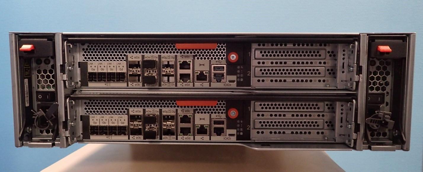 Unboxing: Что внутри у системы хранения данных NetApp AFF A300 - 2
