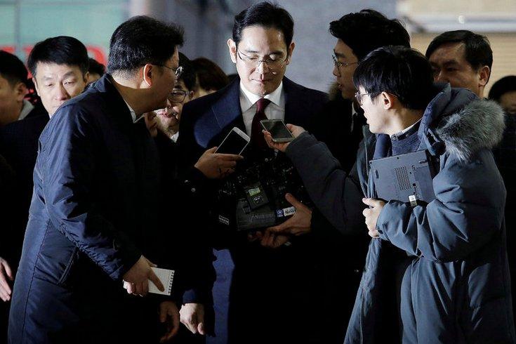Фактического главу Samsung Group могут арестовать в ближайшие дни