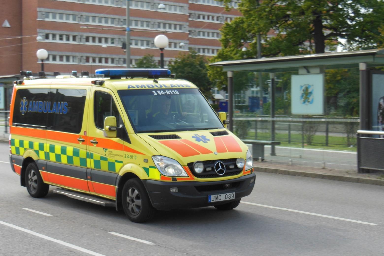 Карета скорой помощи обратится к водителям через автомагнитолы - 1
