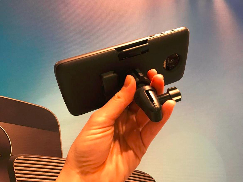 Lenovo выпустит как минимум 12 Moto Mods - 8
