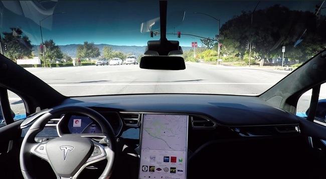 Электромобили Tesla на базе аппаратной платформы второго поколения получили обновленный автопилот