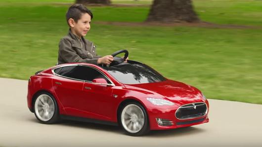 Илон Маск обещает новые версии электромобилей Tesla каждые год-полтора