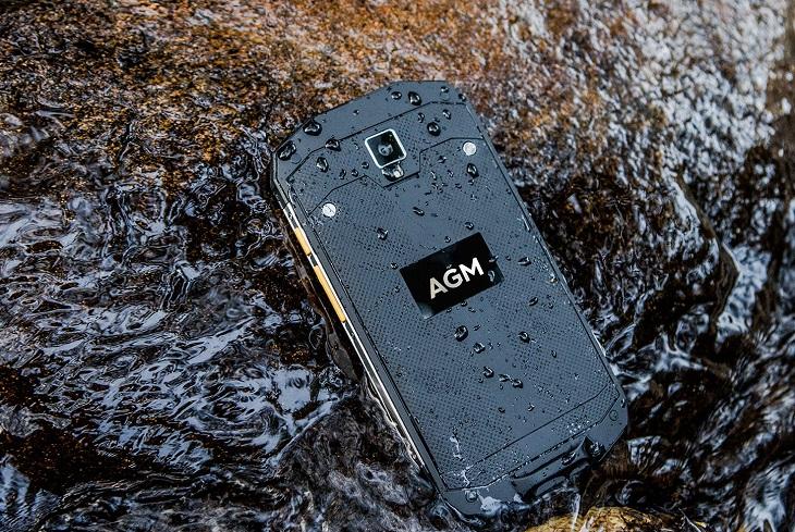 Смартфон AGM A8 соответствует требованиям стандарта IP68