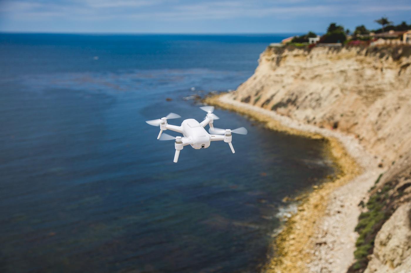 Портативные селфи-дроны: обзор ZeroTech Dobby от Madrobots - 1