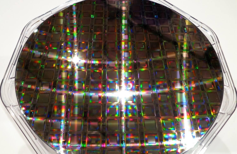 D-Wave Systems продали свой первый 2000-кубитный квантовый компьютер - 1