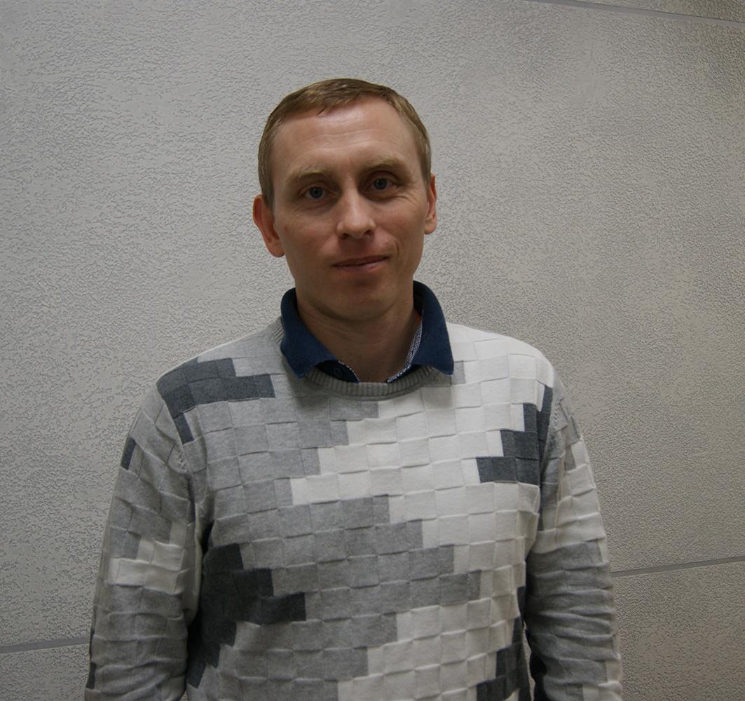 Как работают ИТ-специалисты. Руководитель разработки SearchInform Дмитрий Гацура - 1