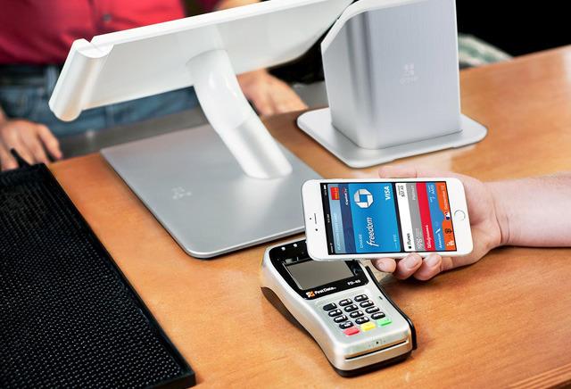 Сервисом Apple Pay пользуется втрое больше людей, чем год назад