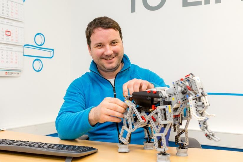 Маленький мир LEGO от робота с большим и умным сердцем - 17