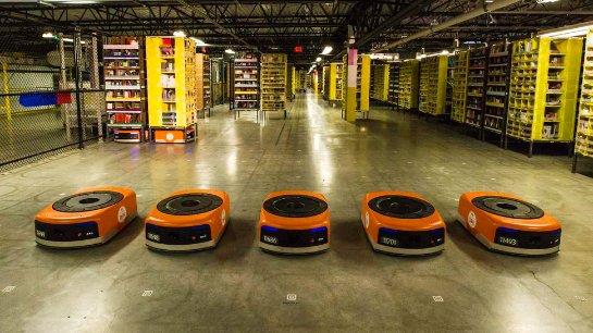 К работе в Amazon приступили 15 тысяч роботов