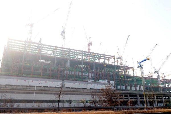 На фабрике будет установлено оборудование, изготовленное южнокорейской компанией YAS