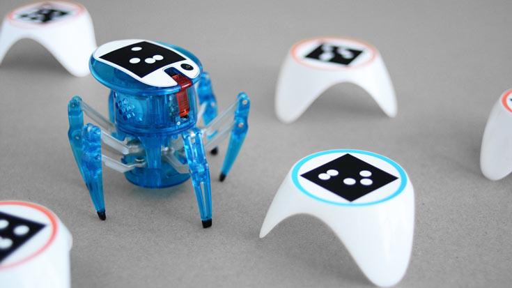 Смартфон и приложение позволяют роботу перемещаться автономно и обучаться