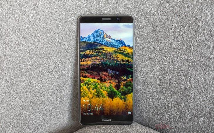 Смартфон Huawei Mate 9 оказался достаточно прочным
