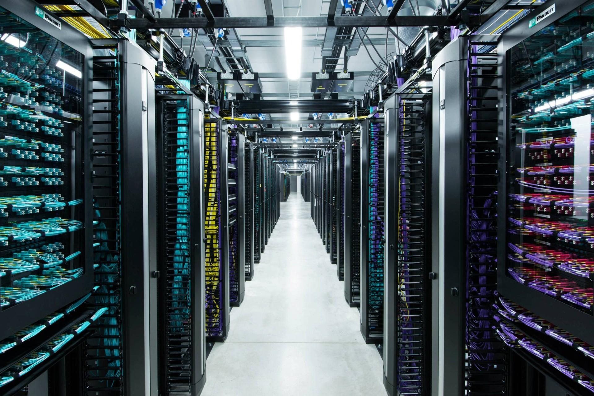 Facebook обвиняют в плагиате дата-центров - 1