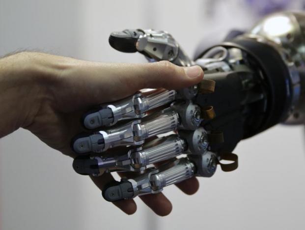 В то же время, приняты рекомендации, призванные регулировать расширяющееся внедрение роботов