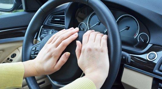 Ученые рассказали, в каком возрасте нежелательно водить автомобиль