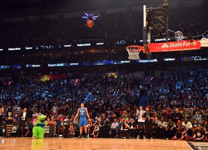 Intel создала дрон, который принял участие в конкурсе НБА по броскам сверху