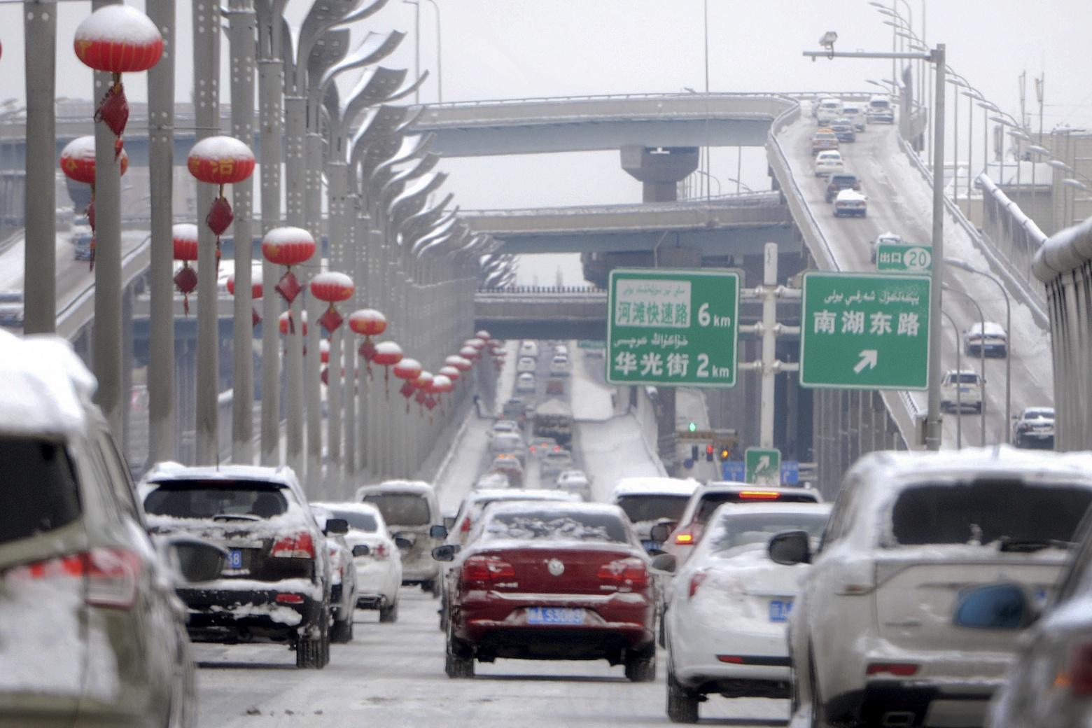 В китайской провинции Синьцзян каждый автомобиль оснастят системой спутникового слежения - 1