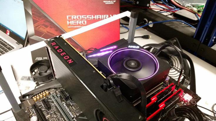 Процессор и память были установлены в системную плату ASUS Crosshair VI Hero