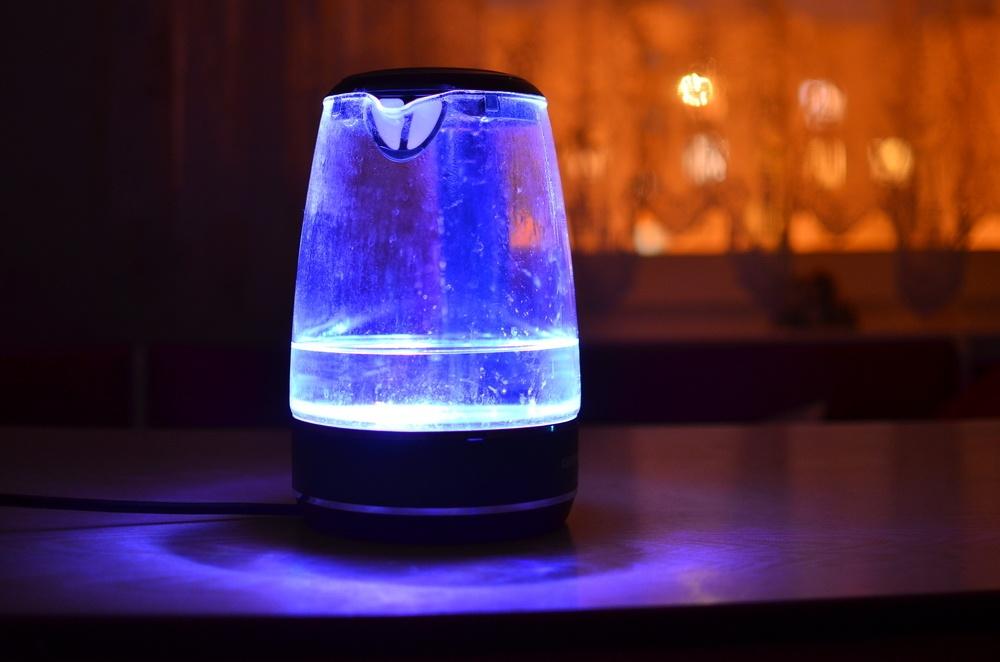 Умный чайник с разноцветной подсветкой: обзор REDMOND SkyKettle G200S - 1