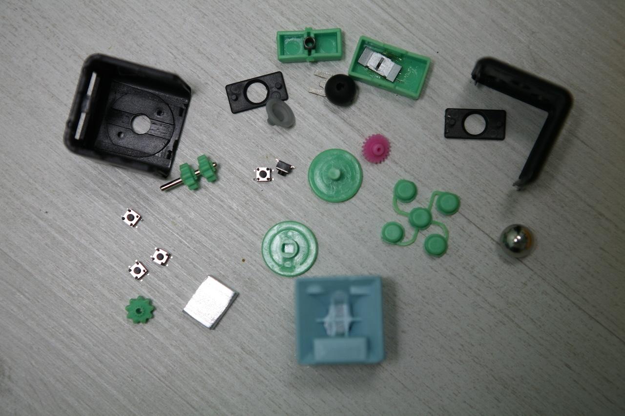 Что внутри Fidget Cube: оригинал или подделка - 1