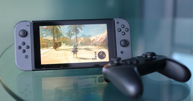 У Nintendo Switch нет возможности переноса сохранений на карту памяти или другую консоль