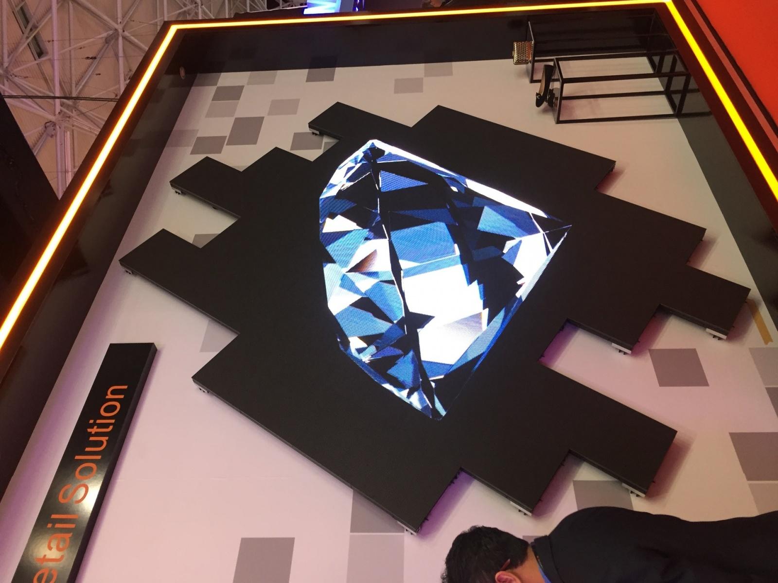 Что было на выставке ISE-2017 (средства отображения, светодиоды, софт для экранов) - 10